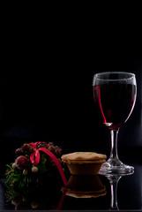 wine glass, wine, red, drinkware, stemware, glass, red wine, still life photography, drink, still life, alcoholic beverage,