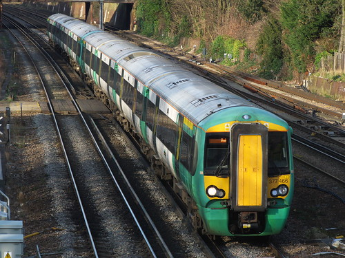 Southern Class 377 at South Croydon