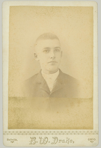 Cabinet Card portrait man w short hair