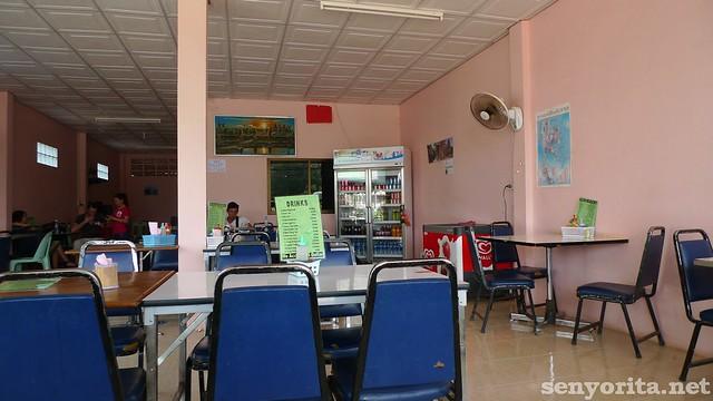 Thai-Cam-Crossing15