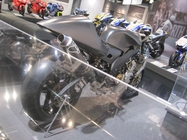 2000 YAMAHA YZR-M1(OW-M1)Prototype