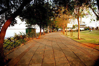 Hussain Sagar Lake Park