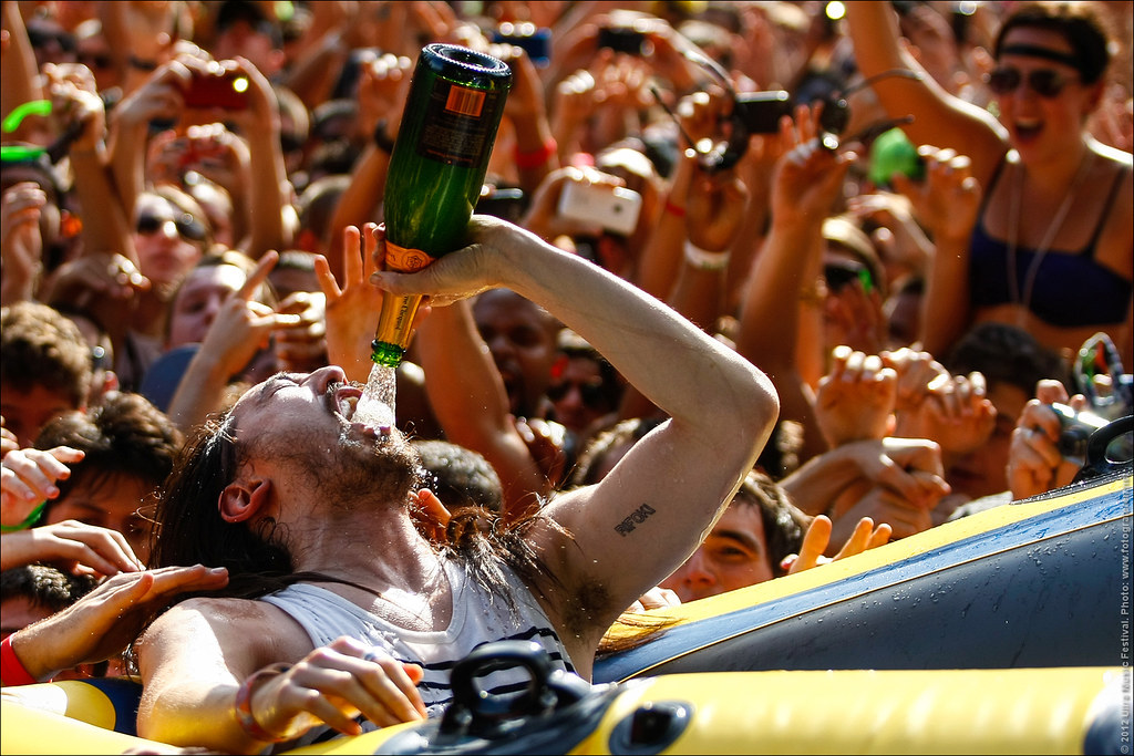 77. That's the way Steve Aoki rolls! Ultra Music Festival 2012