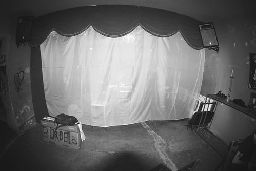 Bordello - sempre de palco aberto e surpresas atras das cortinas