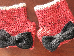 Red tweed fingerless gloves with black bow