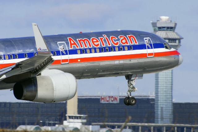 American Airlines Boeing 757-232 (N556AA)