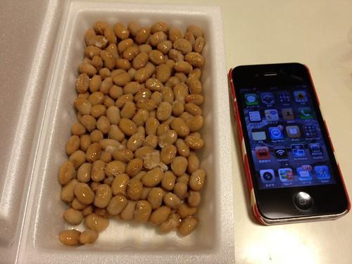芝崎納豆とiPhone比較