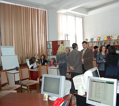 2012_02_06_Lansare_Biblioteca After School (7)