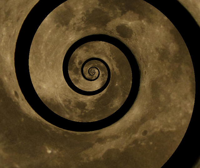 Spiral-cut moon