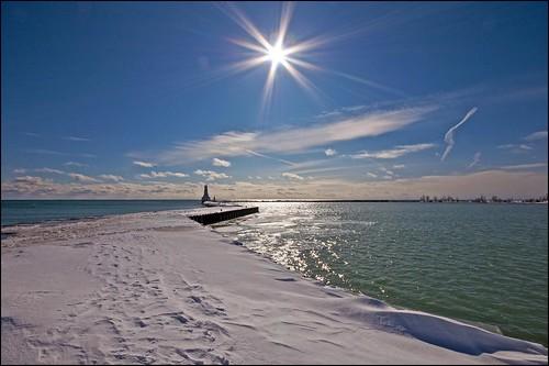 sun ontario pier harbour lakeontario cobourg