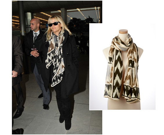 1.26.12-Reese-Witherspoon-Black-Multi-Ikat