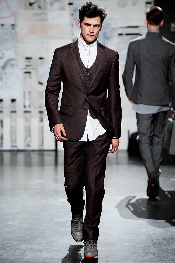 FW12 New York Loden Dager028_Sean O'Pry(VOGUE)