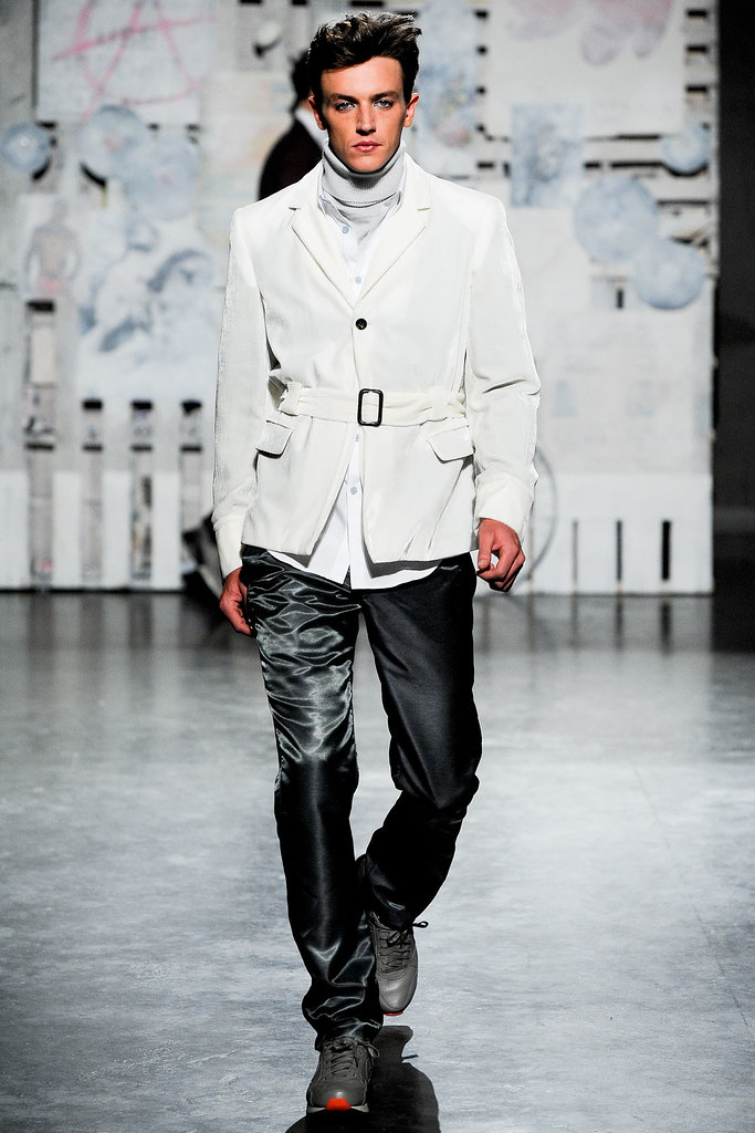 FW12 New York Loden Dager030_Ryan Curry(VOGUE)