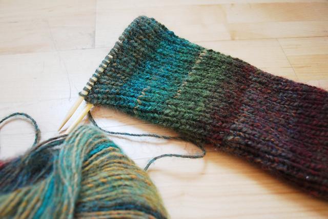 knitting a legwarmer