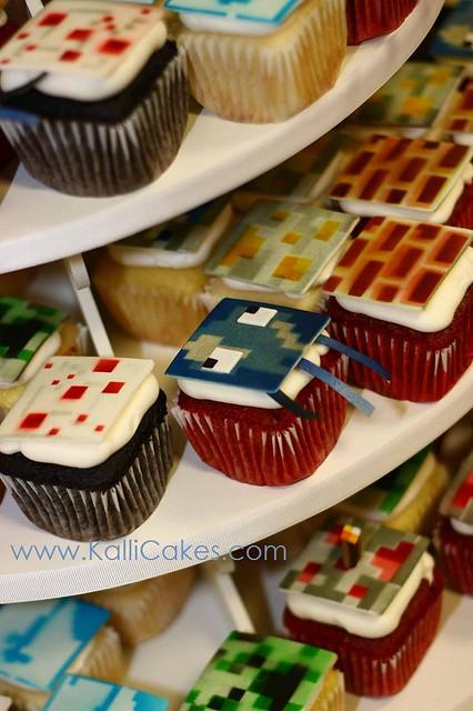 Pin Yuma Arizona Wedding Cake Hydrangea By Couture Cakes Cake on