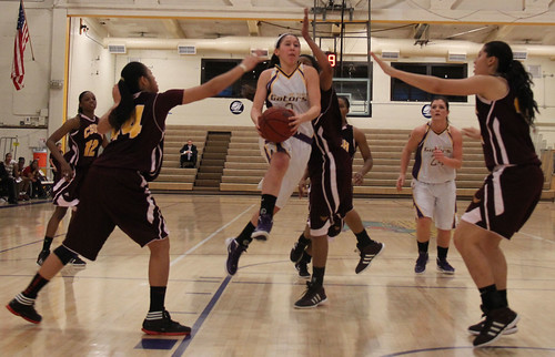 SFSU women's basketball