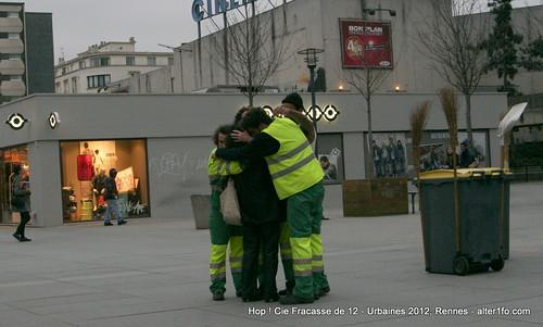 Hop ! Par la compagnie Fracasse de 12 @ Urbaines 2012, Rennes-38