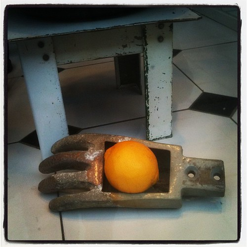lemon hand