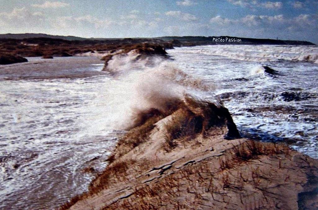 explosion du cordon dunaire de Wissant, lors de la tempête du 26 février 1990 météopassion