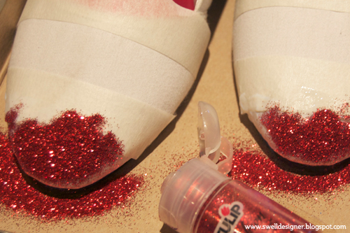 apply-first-coat-of-glitter
