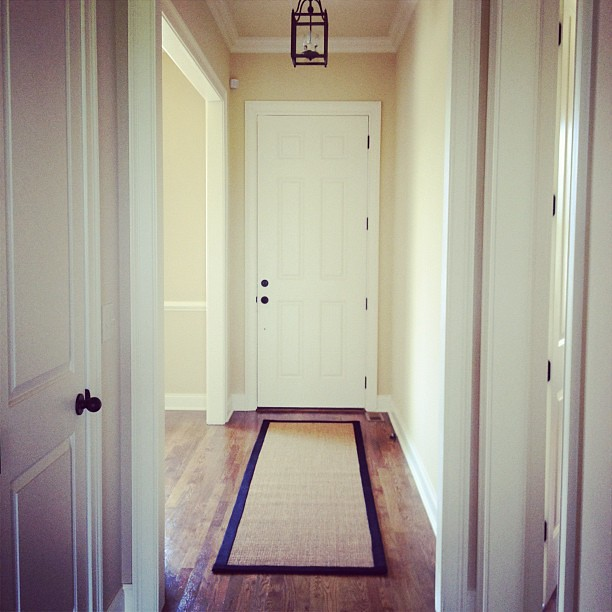 Sisal rug for the entryway