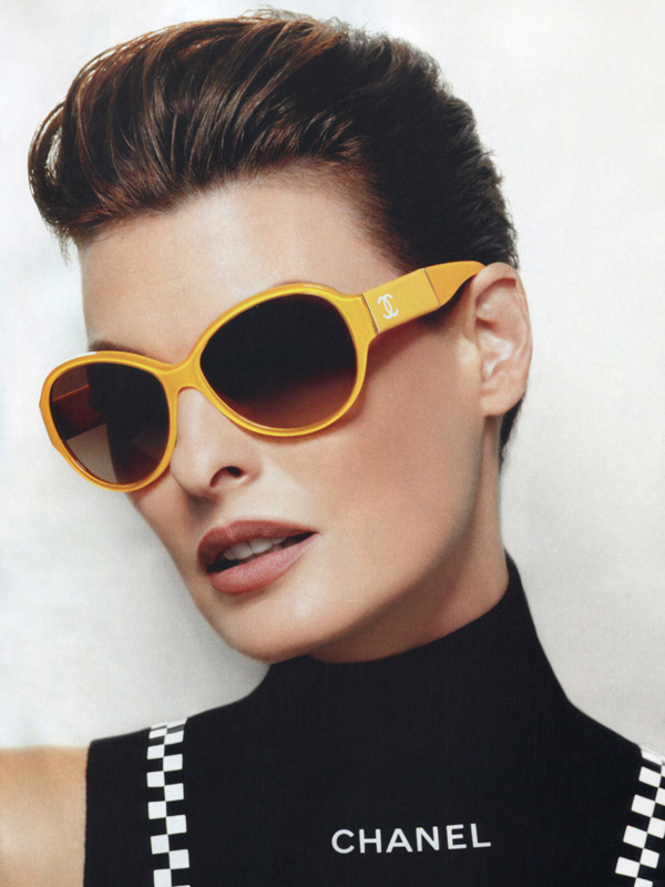 occhiali-sole-arancioni-chanel