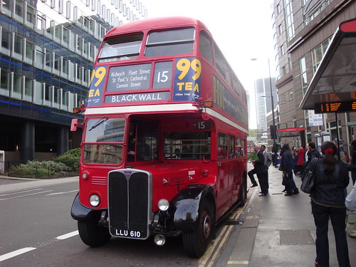 Ensignbus RT3251 on Route 15, Aldgate
