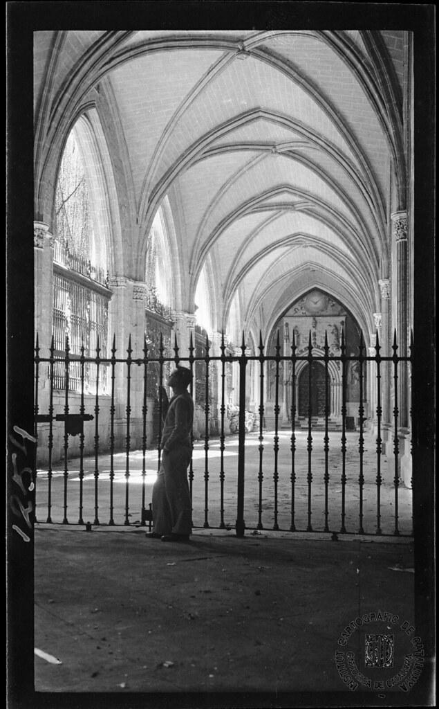 Claustro de la Catedral de Toledo en 1933. Fotografía de Gonzalo de Reparaz Ruiz. © Institut Cartogràfic de Catalunya
