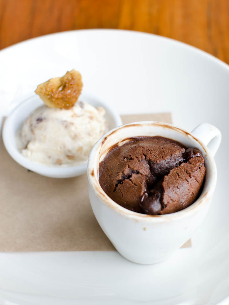 La Luna - Chocolate pudding, burnt fig ice cream, honeycomb