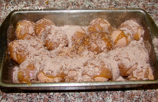 hot-chocolate-monkey-bread-sugar-topping