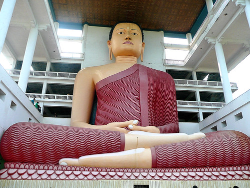 The Buddha @ Weherahena Temple, Matara