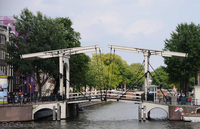 Bridge over the nieuwe herengracht