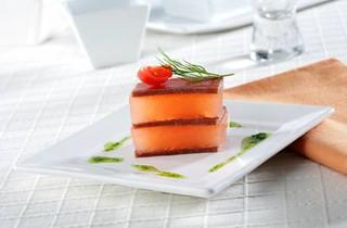 Milhojas de mojama con tomate gelatinizado