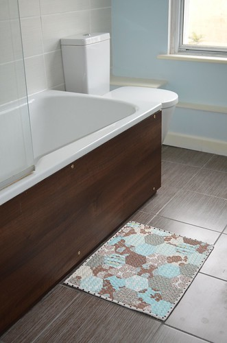 Hexie Bathmat
