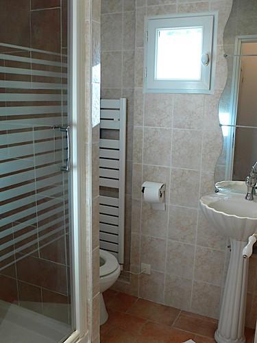 sommi res d pannage plombier electricien couvreur installation salle de bains. Black Bedroom Furniture Sets. Home Design Ideas