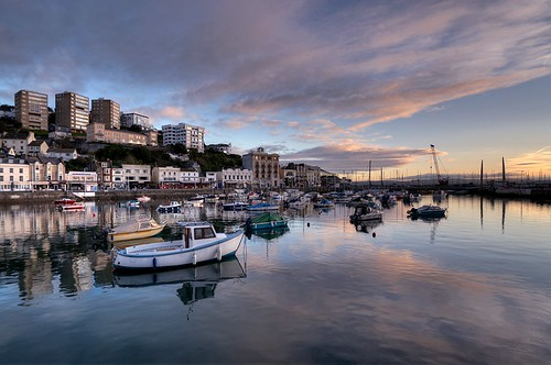 The sun goes down on Torquay Harbour