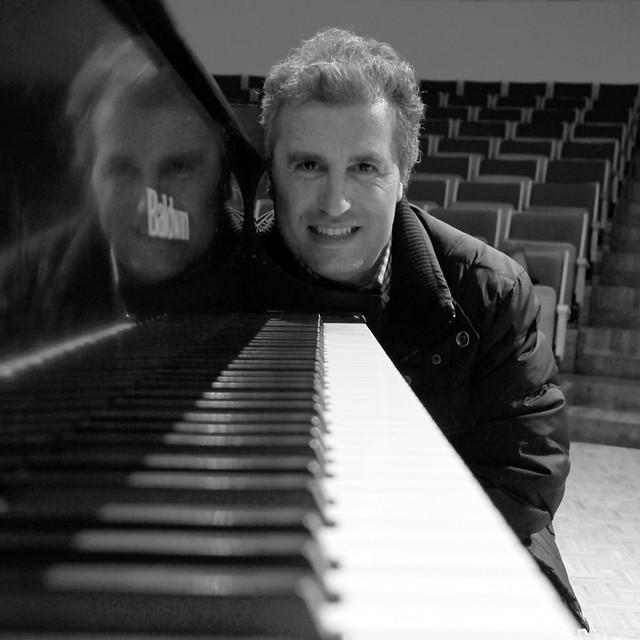 FERNANDO PARIENTE, PIANO