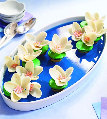 Water Lilies Mini Cupcakes