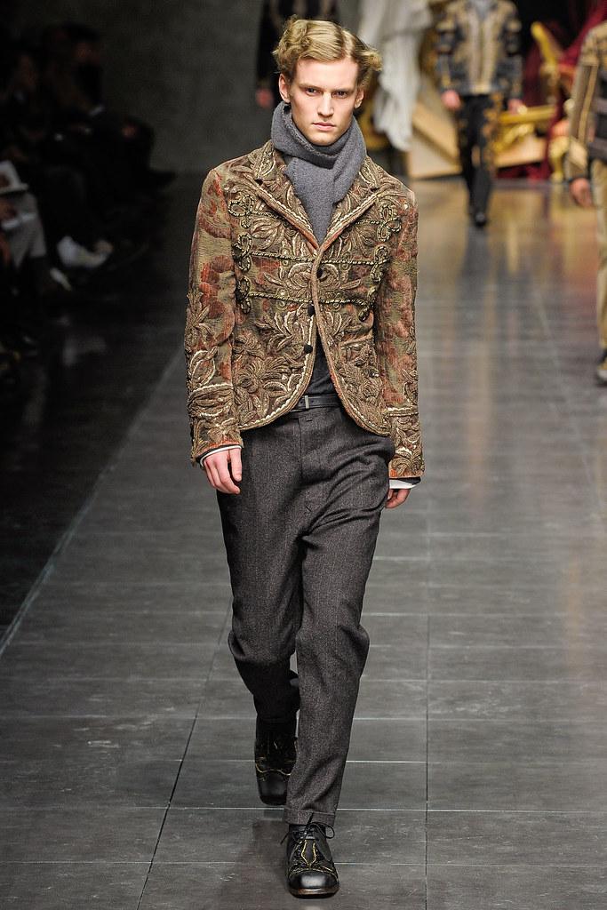 Alexander Johansson3423_FW12 Milan Dolce & Gabbana(VOGUE)