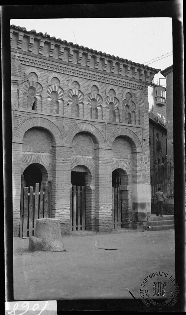 Mezquita del Cristo de la Luz en 1933. Fotografía de Gonzalo de Reparaz Ruiz. © Institut Cartogràfic de Catalunya