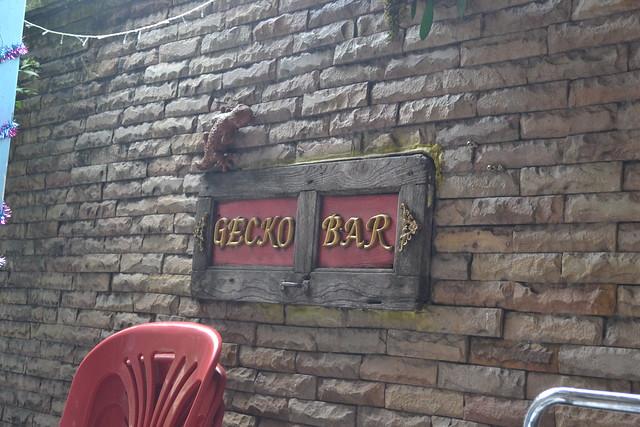 Gecko Bar sign