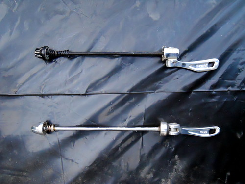 Two kinds of bicycle skewers