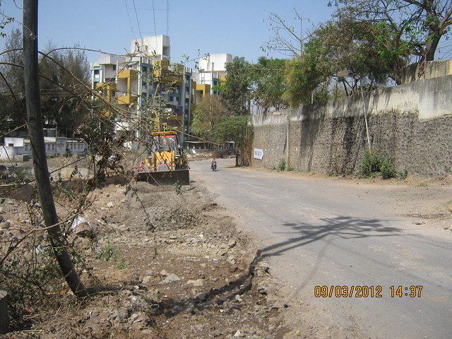 Road to  Amit's Gaia Pride Platinum near Pancard Club Baner Pune - 6