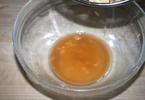 16 - Kartoffelwasser abgießen / Drain potato water