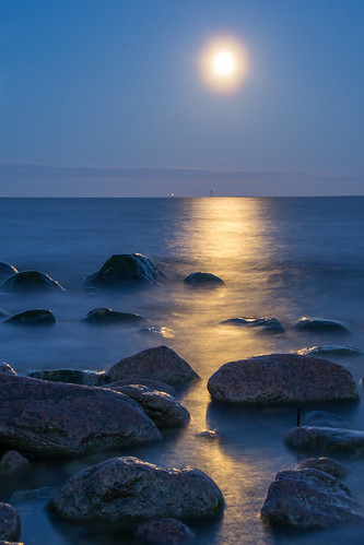 sea moon seascape rocks pentax k5 supermoon