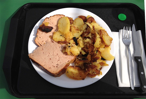 Leberkäse mit Bratkartoffeln / Meat loaf with fried potatoes