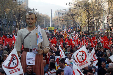 Spanish workers went out on a general strike across the country on March 29, 2012. In Barcelona this demonstration drew hundreds of thousands. Violence erupted in some areas. by Pan-African News Wire File Photos