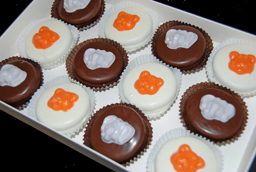 Tiger and Elephant chocolate dipped oreos