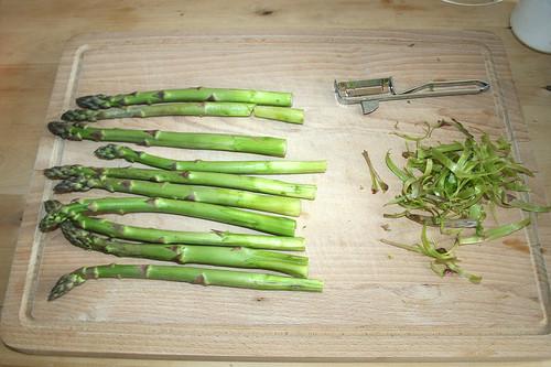 09 - Spargel schälen / Peel asparagus