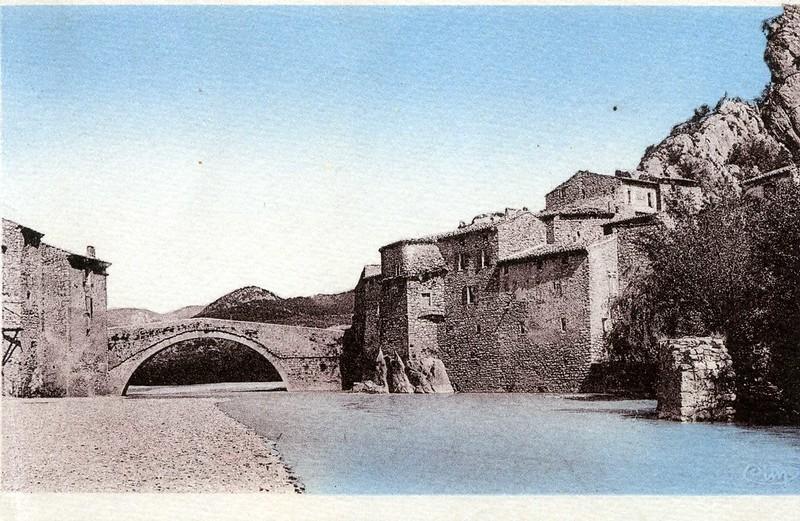 Le pont roman en aval